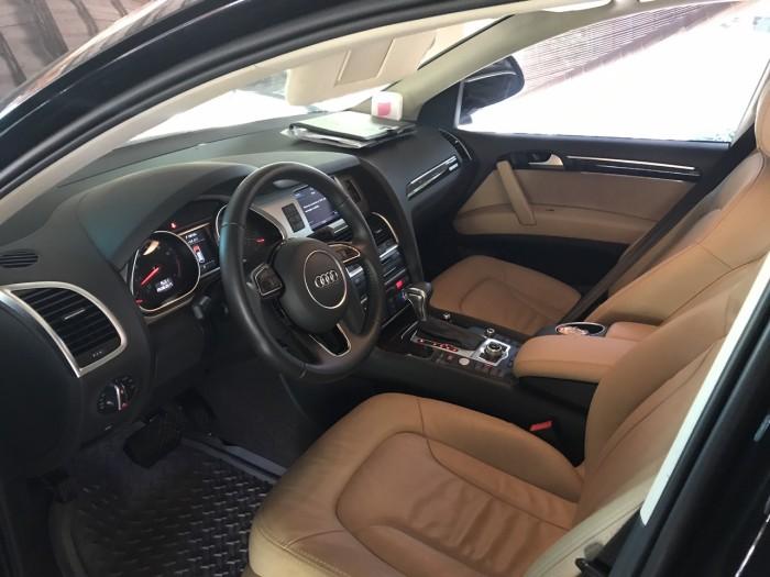 Nhà mình cần bán chiếc Audi Q7 3.0L V6 TFSI Quattro 2015 màu đen vip 6