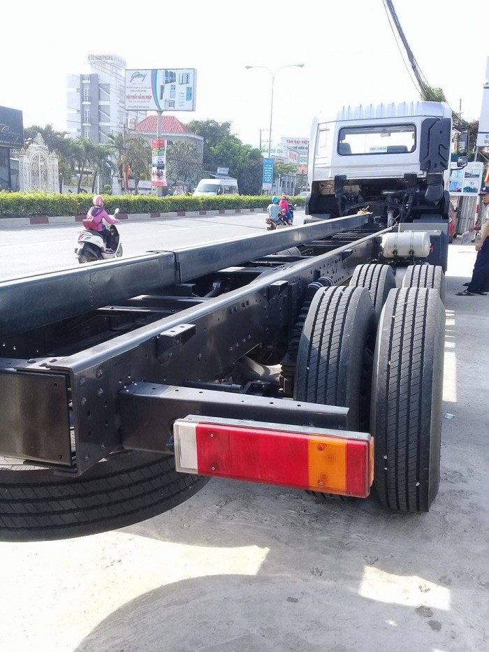 Dongfeng Trường Giang 4 chân 2 dí 2 cầu 18,7 tấn, Hỗ trợ trả góp 80%