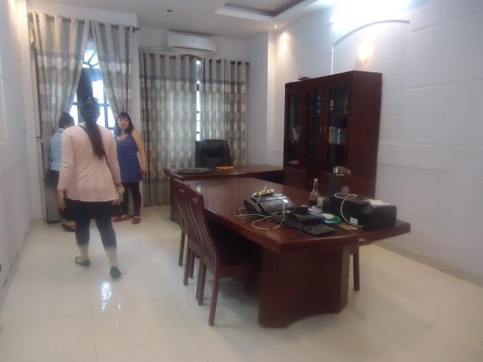 Cần bán nhà 2 mặt tiền,2 đường rộng 12m, Bình Tân