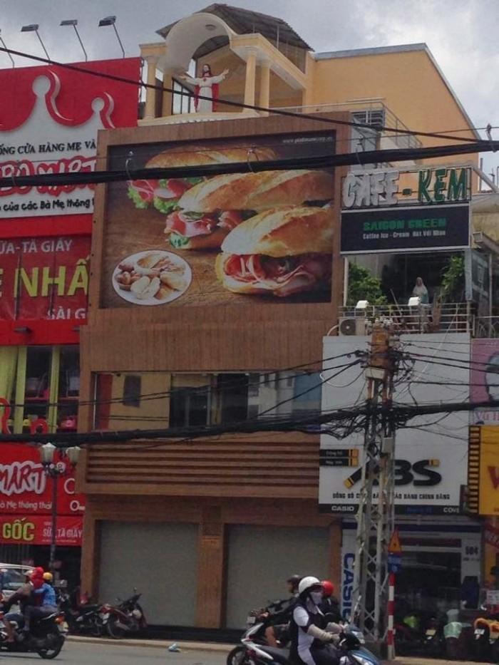 Cho thuê nhà góc 2MT Lê Văn Việt gần Coop Mart, Q.9, (DT: 12x6m, trệt, lầu)
