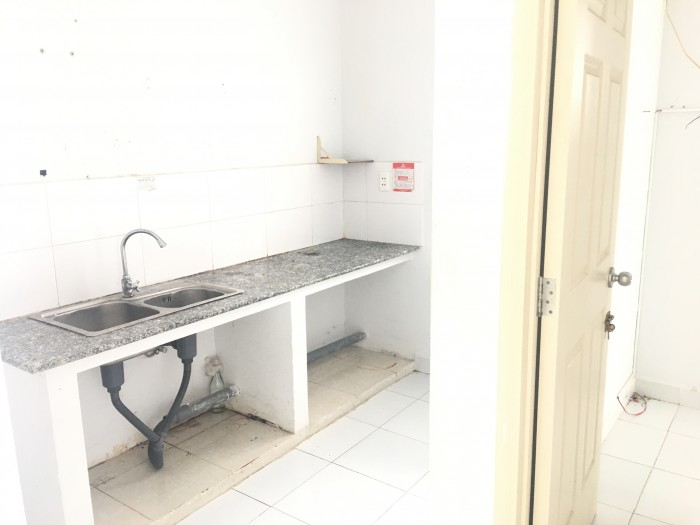 Cho thuê căn hộ giá rẽ HQC Hoàng Quân Plaza, 67m2-2pn-2wc, giá 4tr/tháng