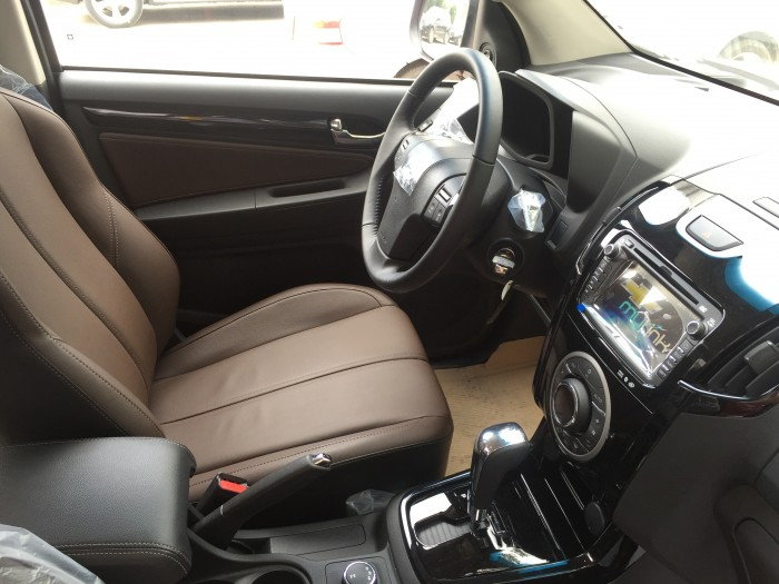 Chevrolet Colorado- Xe nhập nguyên chiếc từ Thái.