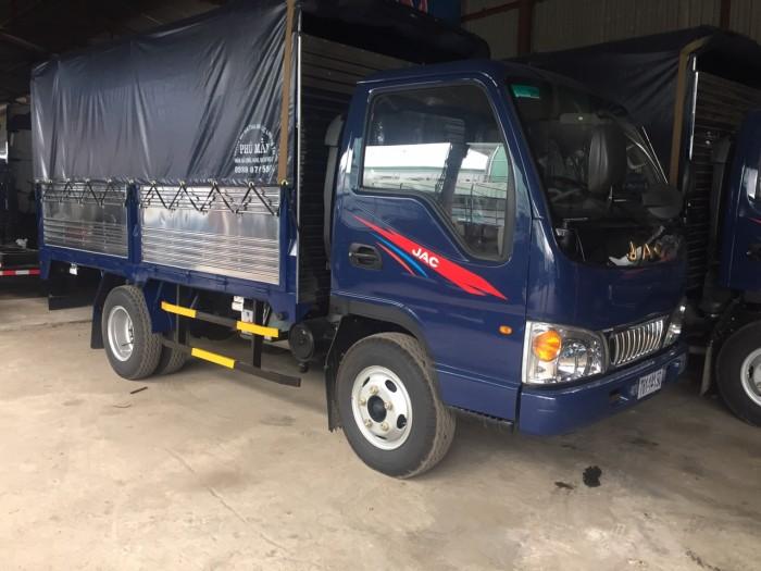 Xe tải jac 2 tấn 4/ xe jac 2400kg/ xe tải jac 2t4 thùng dài 3,8m/ xe ra vào thành phố.