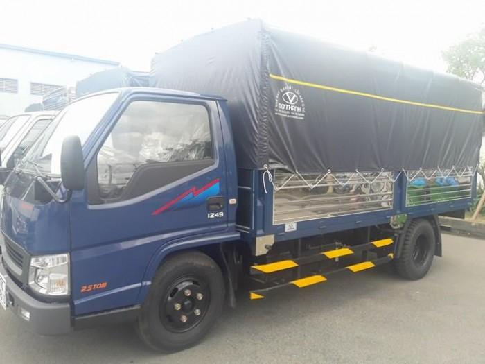 Hyundai IZ49 2,4 tấn Đô Thành. Xe Hyundai 2,4 tấn vào thành phố.
