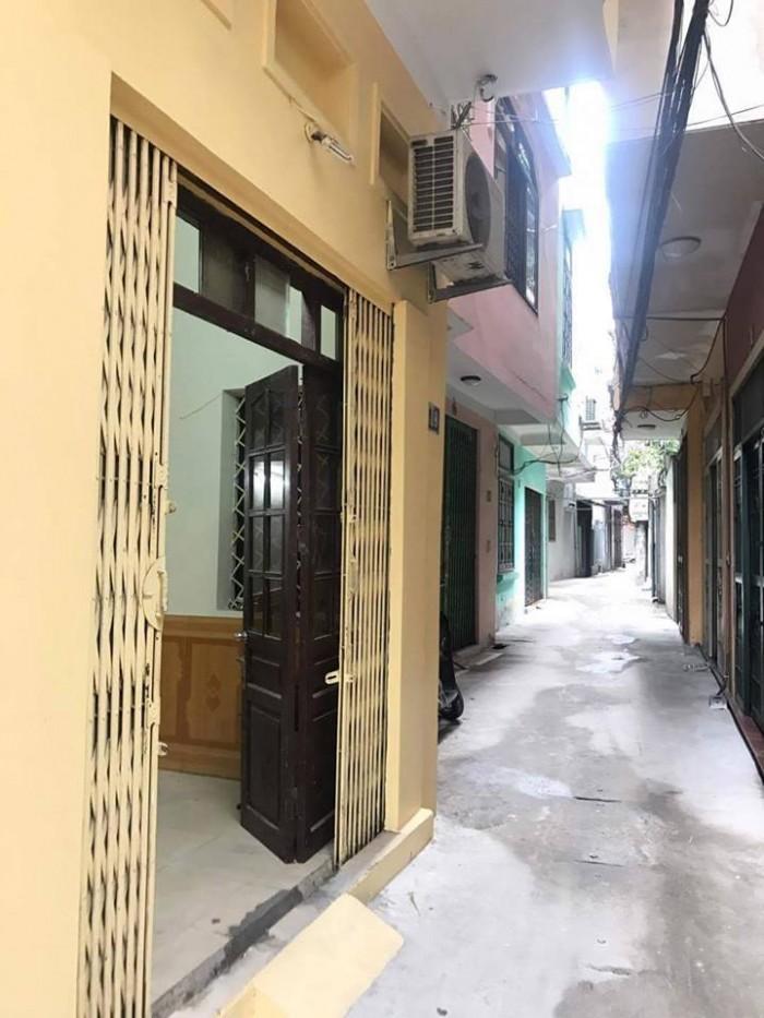 LH ngay Mr Thuận để sở hữu căn nhà mặt phố Trần Khát Trân,4 tầng