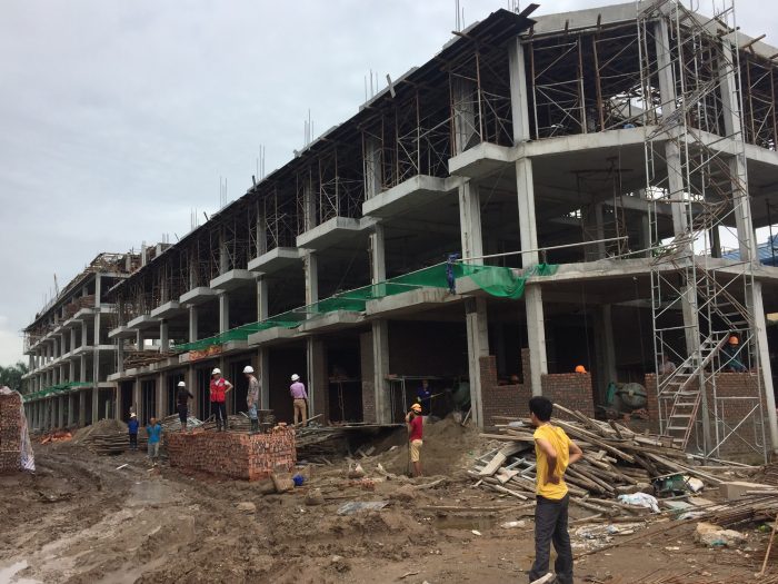 Bán nhà mặt phố Vĩnh Hưng, 72m2 xây thô 5 tầng