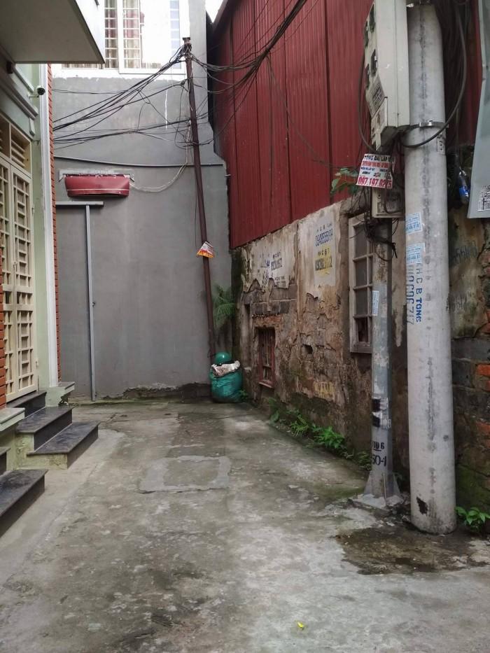 Bán đất mặt đường Lâm Du, Long Biên dt 70m, mặt tiền 4.5m,chỉ 70tr/m.