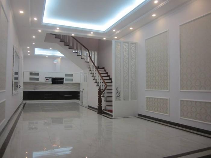 Nhà mặt tiền 15m,mặt phố Huỳnh Thúc Kháng, 62m2, 4 tầng