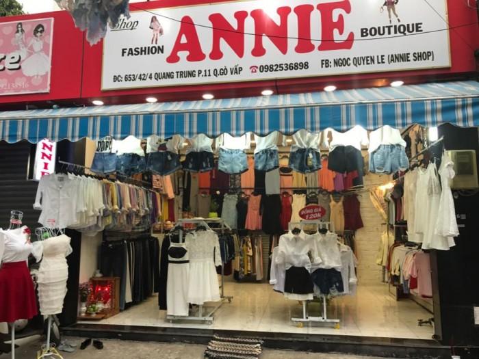 Sang shop Annie