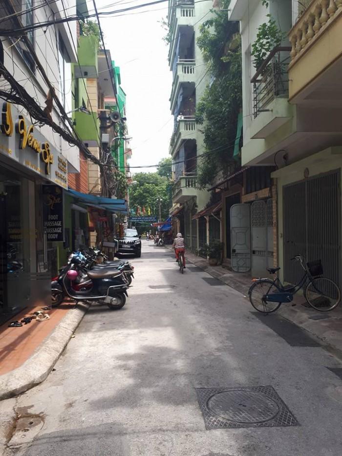 Bán nhà phân lô ô bàn cờ-nhà phố Trần Quốc Hoàn-CG 45m2, 6 tầng. MT 5.6m