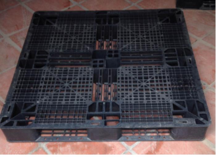 Pallet nhựa cũ thanh lý giá rẻ 1300x1100x120 mm3