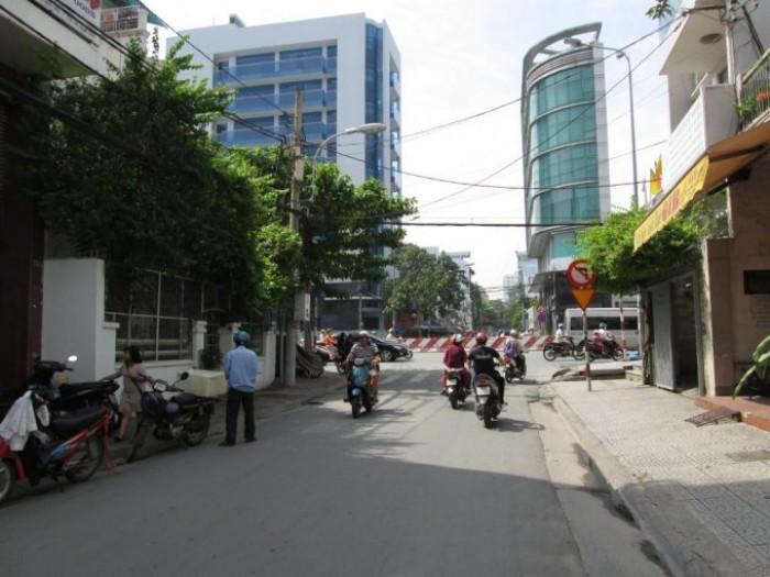 Phá giá bán rẻ MT Mai Thị Lựu, [DT: 5.7x25m], Quận 1, Xây 2 Lầu