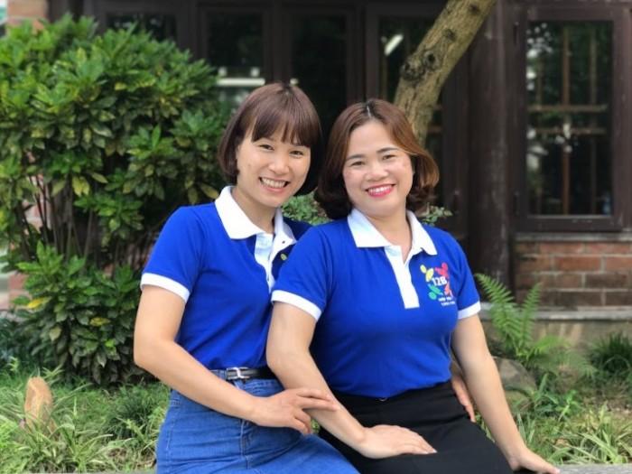 Cựu học sinh lớp 12B tươi vui, năng động trong mẫu áo lớp từ AnnA Uniforms.