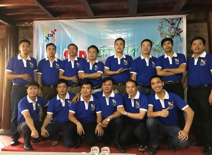 AnnA Uniforms vinh hạnh trở thành đại sứ kết nối kỉ niệm qua mẫu áo lớp cho cựu học sinh 12B.|Liên hệ 0938 571 345 ngay để được tư vấn!