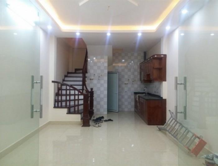 Nhà MT Lê Anh Xuân, P. Bến Thành, Quận 1, DT: 5mx16m, 4 lầu
