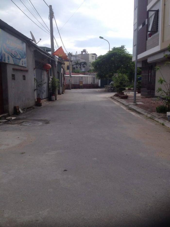 Bán nhanh mảnh đất ở Ngô Xuân Quảng, DT:58m2,MT:5m