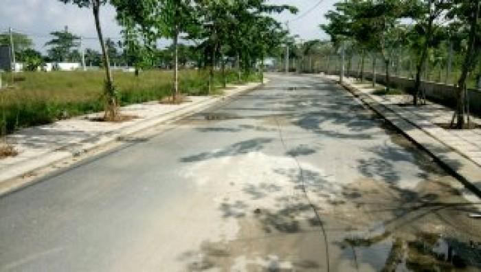 Bán gấp lô đất đường Võ Văn Hát, Long Trường, Q9