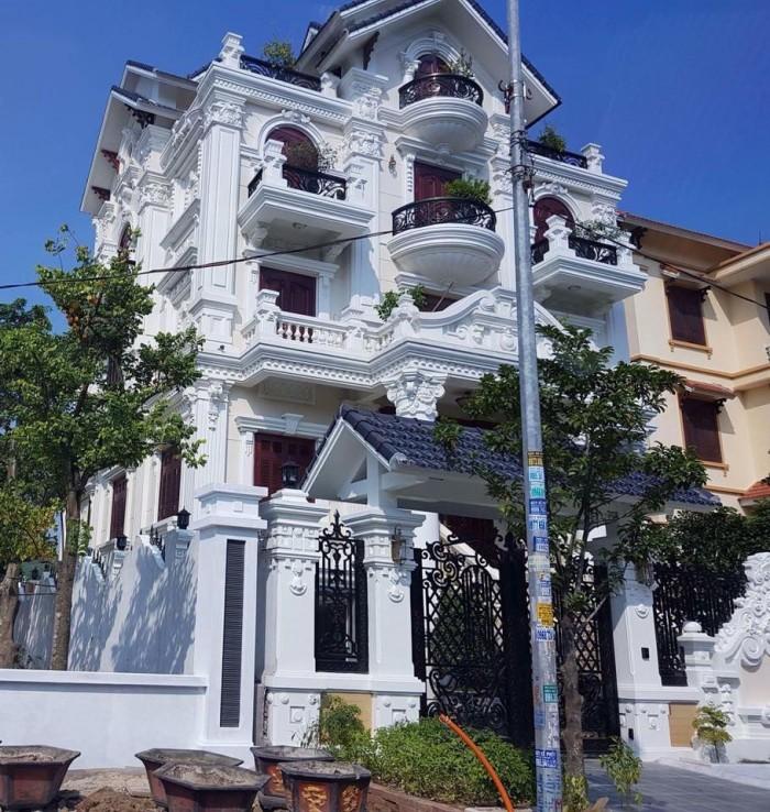 Bán biệt thự mặt tiền Phan Xích Long, quận Phú Nhuận 32 tỷ