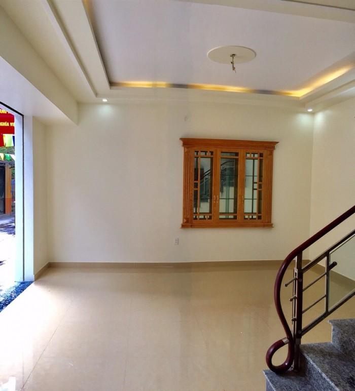 Nhà 4 tầng khung cột gần mặt đường Trần Nguyên Hãn, ô tô vào nhà, kinh doanh tốt