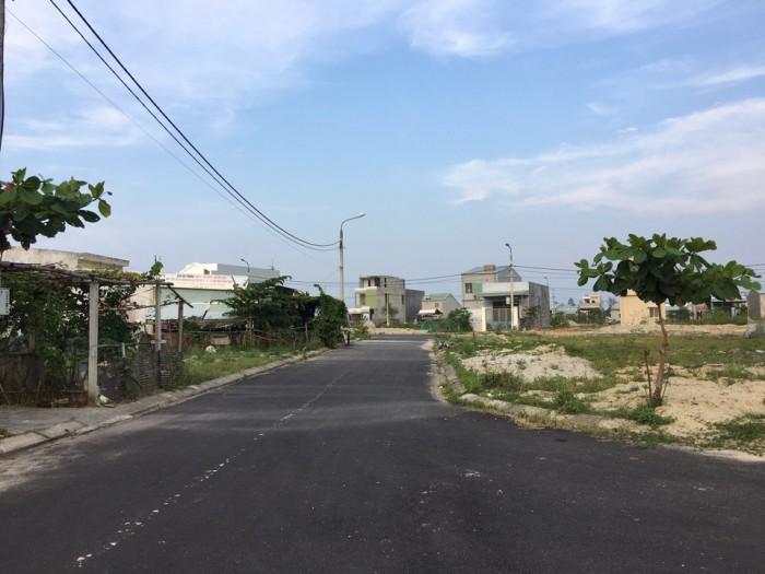 Bán nhanh lô đất Đường Nguyễn Gia Thiều. Dt:100m