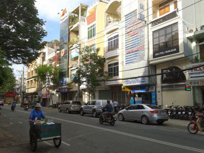 Bán nhà MT Huyền Quang, Quận 1. DT 4x18m, 4 lầu