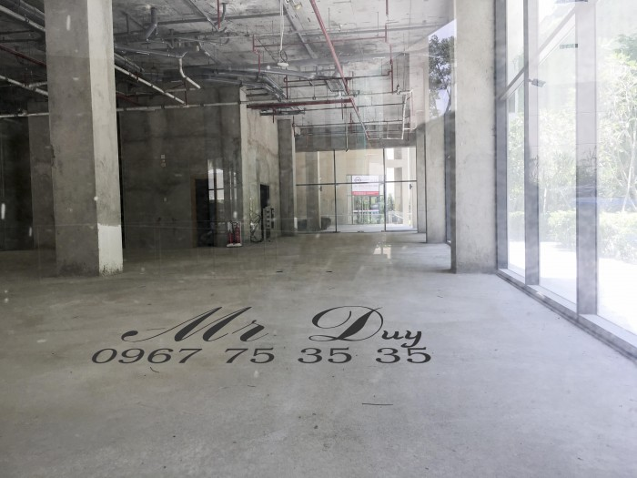 Cho thuê mặt bằng 550m2 làm shophouse cách Q1 chỉ 3 phút có bãi giữ xe