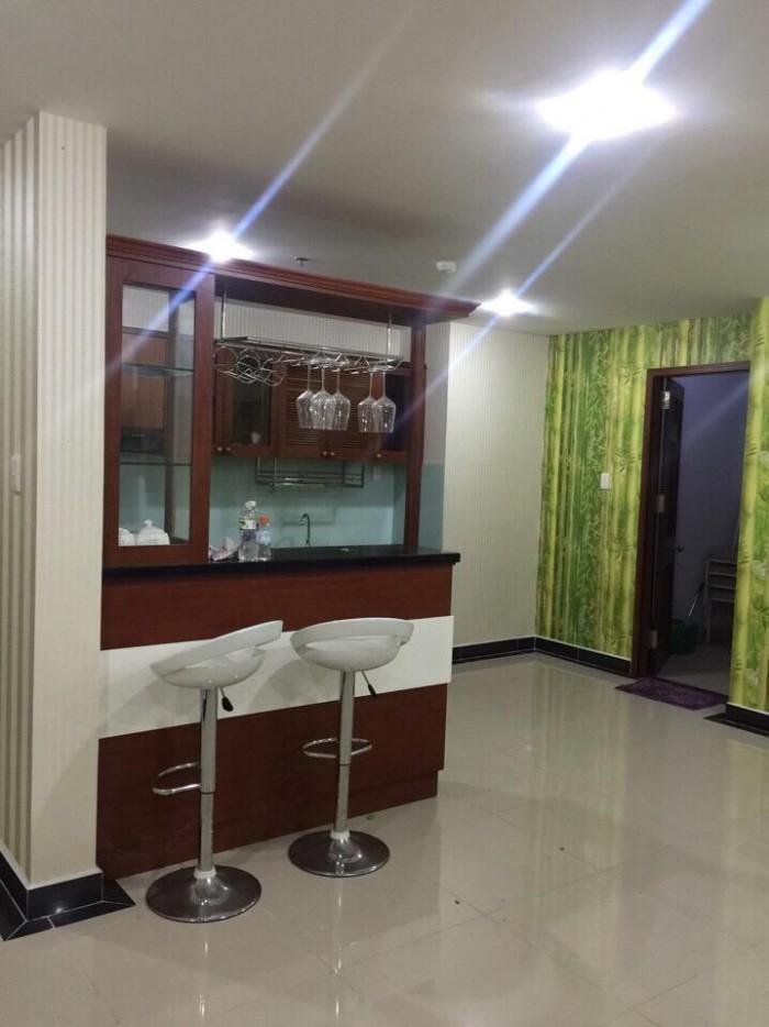 Cần cho thuê gấp căn hộ Tản Đà Quận 5, Dt 100m2, 3 phòng ngủ, trang bị nội thất đầy đủ