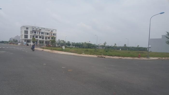 Bán đất gấp hai mặt tiền quốc lộ 1A và Nguyễn Hữu Trí  sổ hồng riêng