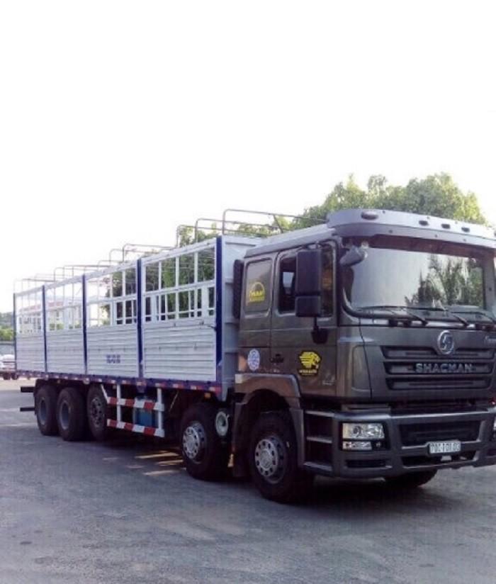Xe tải Shacman 5 chân 22 tấn - Trả trước 90 triệu nhận xe