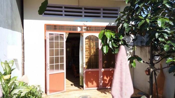 Bán đất thổ cư tặng nhà cấp 4 trên đất trong buôn Ako Dhong