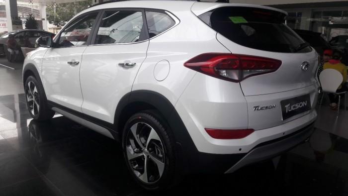 Hyundai Tucson All New 2017 ưu đãi tiền mặt + phụ kiện + bảo hiểm vật chất tùy ý khách hàng.