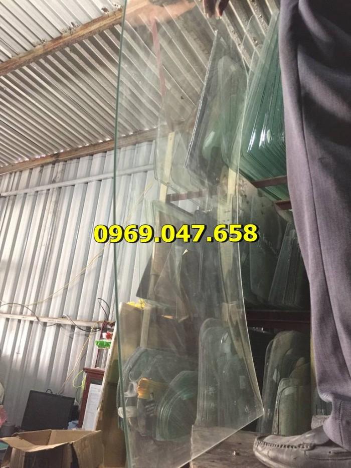Kính xe ô tô tải Hino 300 - 500 - 700 6