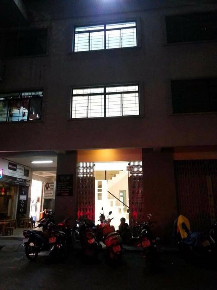 Cho thuê nhà nguyên căn mặt tiền nằm trong khu chung cư Tôn Thất Thuyết.