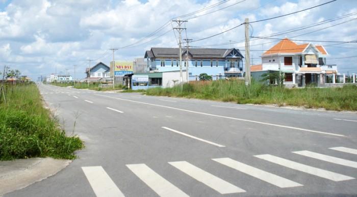 Tôi cần bán gấp lô đất ngay thị xã Bến Cát, 306m2/705tr mặt tiền đường 35m thông dài ra QL13 ( đại lộ Bình Dương )
