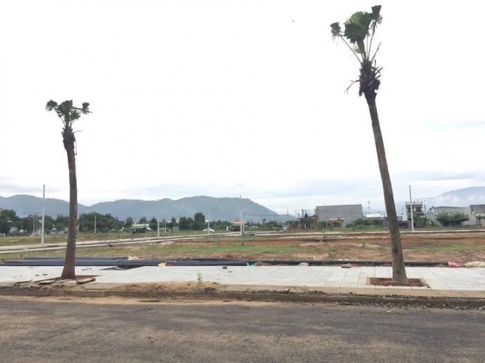 Bán lô đất 120m2, mặt đường 7m5, gần đường Nguyễn Lương Bằng