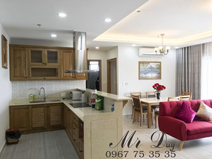 Cho thuê căn hộ 2 phòng ngủ gần Q1 cách NowZone chỉ 3 phút