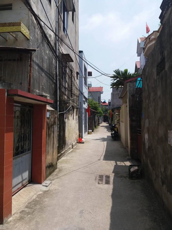 Bán đất phân lô ngõ 44 Đức Giang, Long Biên 81m, giá hấp dẫn.