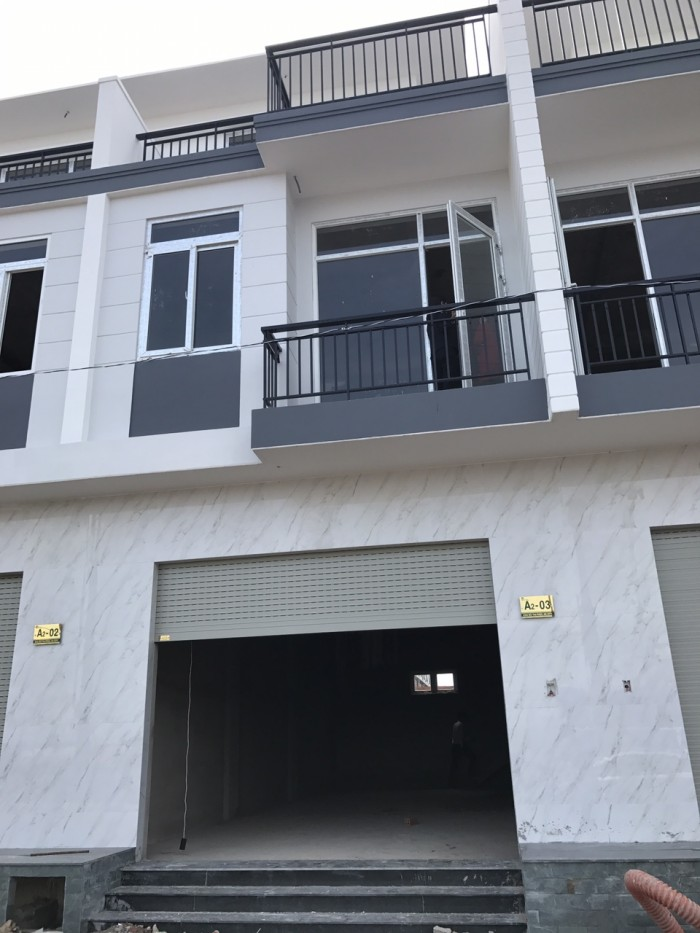 Nhà phố liền kề 1 trệt 2 lầu 5x15 SHR Nguyễn Thị Thử.Hóc Môn.CK 3%.100 Thổ Cư.sở hữu vĩnh viễn