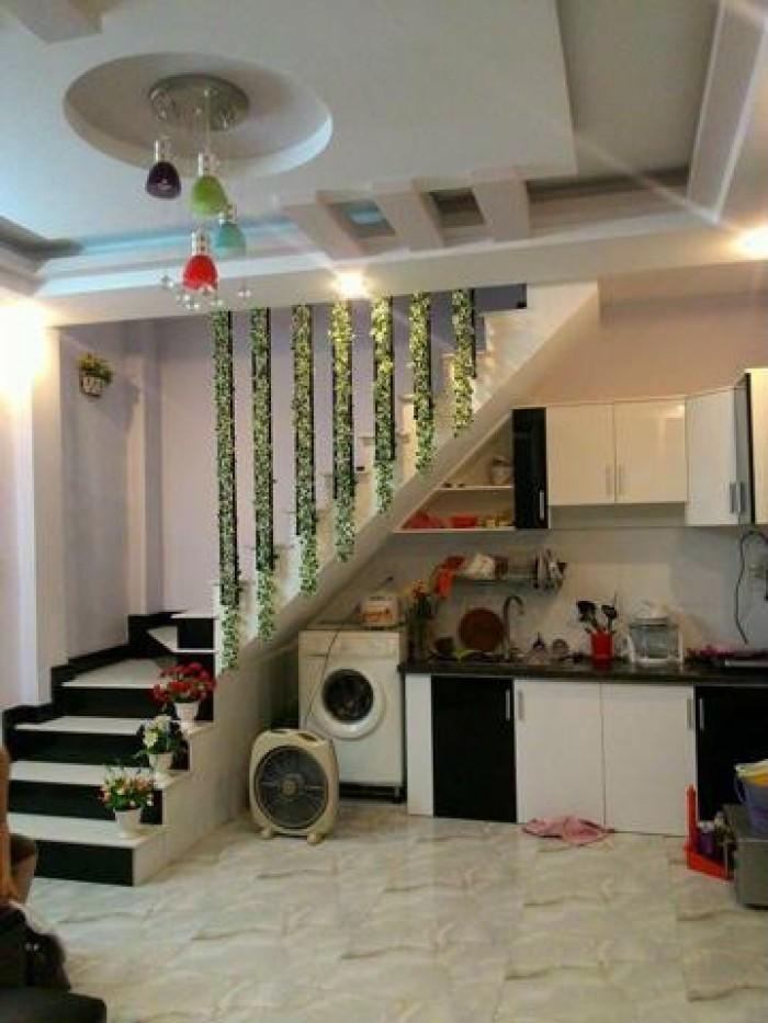 Villa 2 Lầu đẹp MT Phạm Đình Toái, P. 6, Q. 3, DT: 8,1mx13,5m