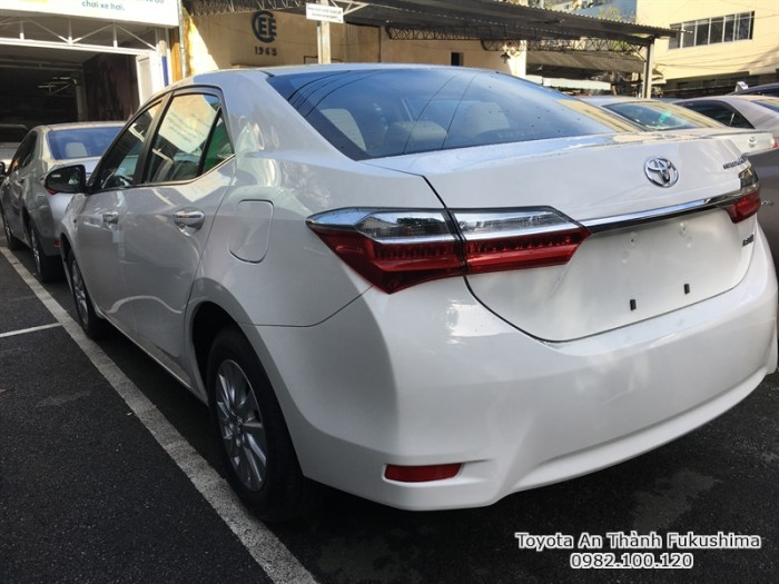 Khuyến Mãi Toyota Altis 2018 1.8 Tự Động Màu Trắng Cho Khách Đặt Hàng