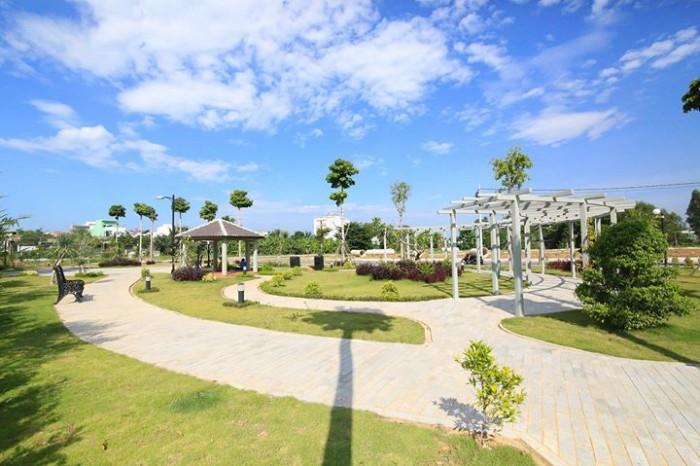 Bán  đất biệt thự ven sông FPT ,đối diện cocobay