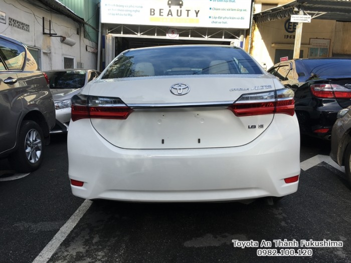 Khuyến Mãi Toyota Altis 2018 1.8 Màu Trắng Ghế Nỉ, Mua Góp 120Tr