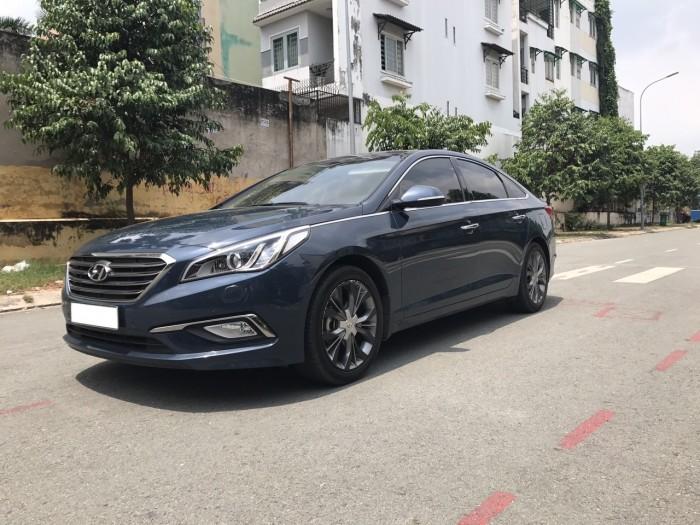 Nhà mình cần bán xe Hyundai Sonata 2.0at 2016 màu xanh nhập khẩu Hàn Quốc