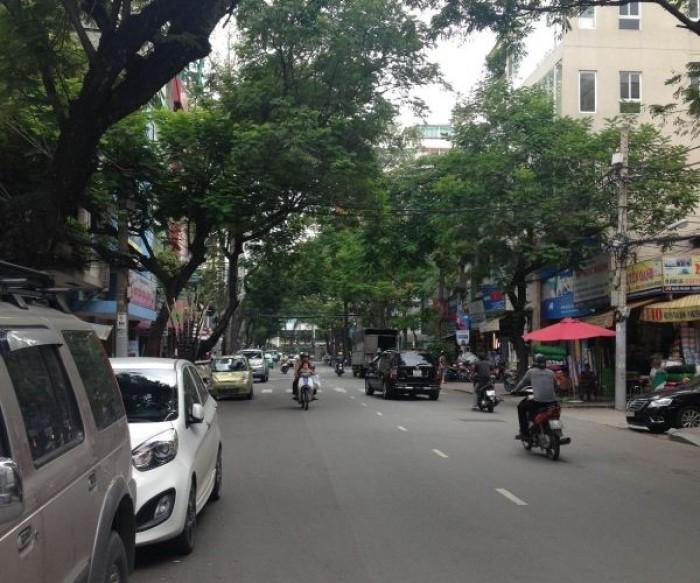 Bán nhà mặt tiền Trần Bình Trọng, quận 5. DT 4,5x18m.