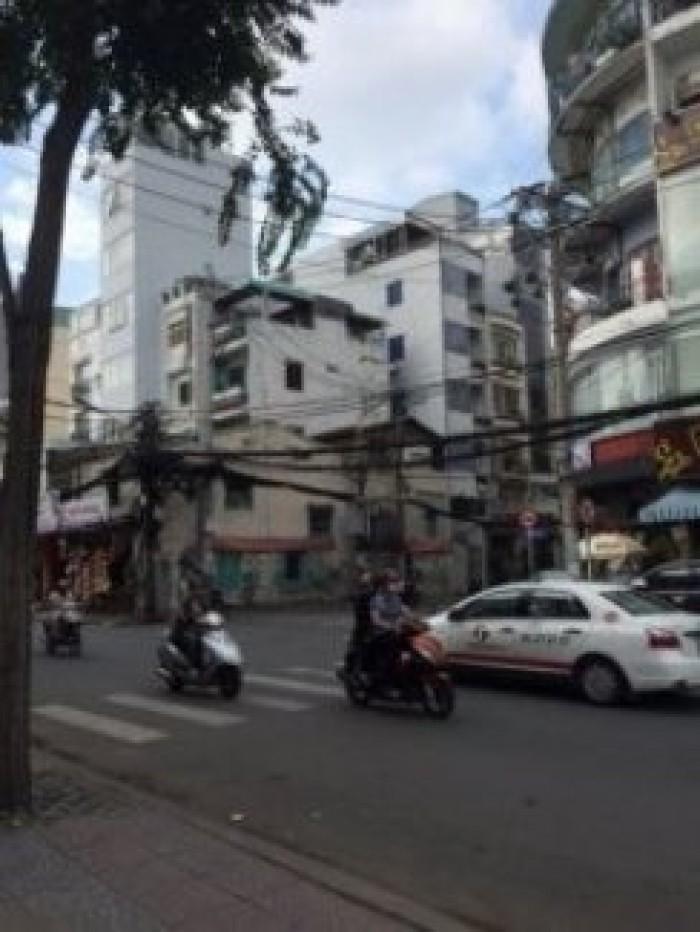 Bán Khách sạn 8 tầng MT Trần Quang Diệu, Q3. DT 4,5x18,5. Giá 18 tỷ.