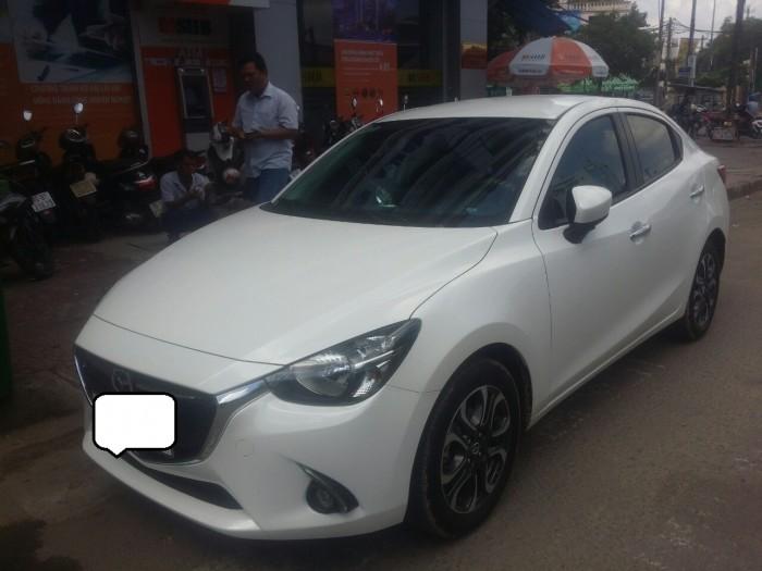 Mazda 2 1.5AT màu trắng 2017 như mới tinh