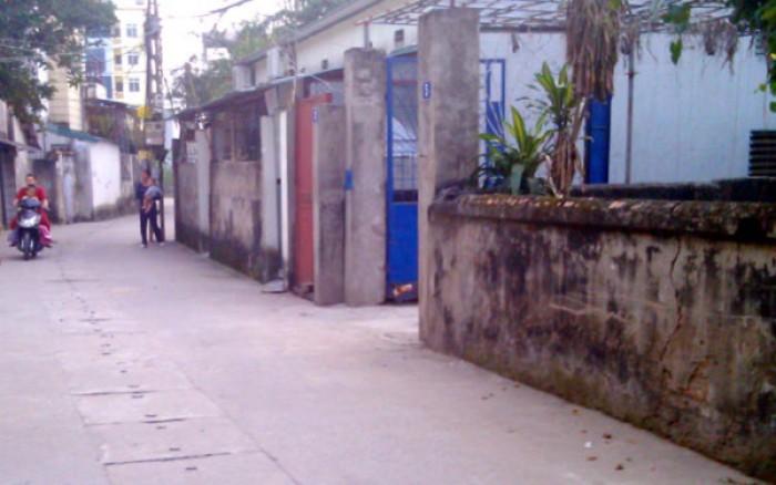 Bán đất ngõ phố Trạm, Long Biên, HN, DT 65 m2, MT
