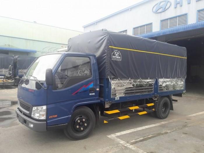 Xe IZ49  2.5 tấn  Ero4 bán trả góp hằng tháng 9
