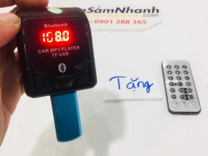 Không chỉ dùng để sạc pin, Car Mp3 Player còn đóng vai trò là một máy nghe nhạc MP3 với nhiều cách kết nối: thông qua Bluetooth, thẻ nhớ, USB, jack tai nghe 3.5mm… Trên những hành trình dài thường gây ra nhiều mệt mỏi, sẽ thật tuyệt vời nếu như chúng ta được tận hưởng những bản nhạc ưa thích cùng người thân và bạn bè.