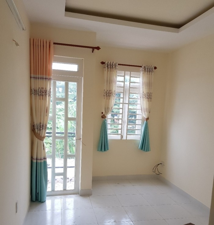 Nhà sổ hồng đúc 2 lầu Nguyễn Văn Cự Bình tân